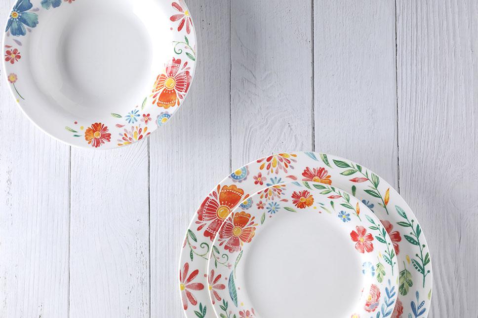 20-piece decal in glaze porcelain set1
